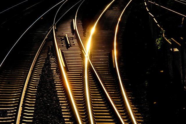 Im Rahmen der Öffentlichkeitsbeteiligung zur Erstellung eines Lärmaktionsplans hat die Stadt Speyer zum wiederholten Male das Eisenbahn-Bundesamt (EBA) auf die hohe Betroffenheit von Speyerer Bürgern durch Schienenverkehrslärm und auf konkrete Lärmbrennpunkte hingewiesen.