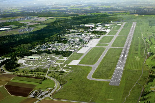 Blick auf den Flughafen Karlsruhe/Baden-Baden