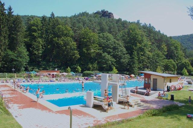 Lambsheim Schwimmbad schwimmen thema