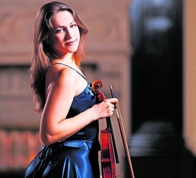 Jeanette Pitkevica wurde in Lettlands Hauptstadt Riga geboren.