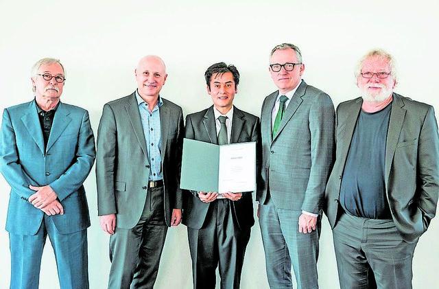 Prof. Dr. phil. Jürgen Berger, Prof. Dr.-Ing. Dieter Leonhard, Dr. phil. Claude W. Sui, Dr. jur. Peter Kurz, Dr. phil. Milan Chlumsky (von links).