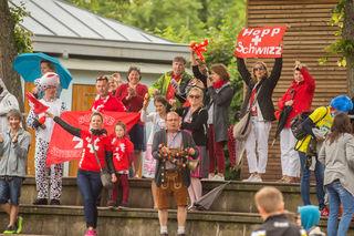 Hopp Schwizz: Die Fans der JSG Römerberg.