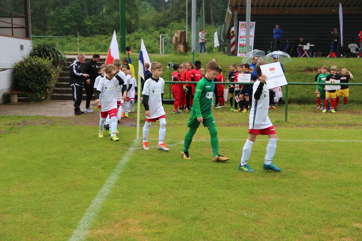 Die JSG Donnersberg Süd läuft für Polen ein
