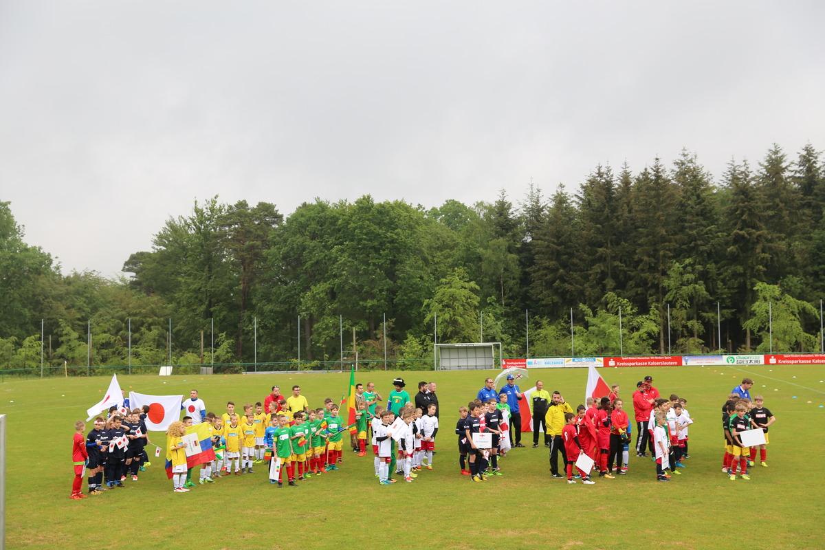 Die Mannschaften der AOK Mini-WM in Hohenecken