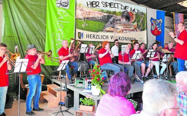 Spielgemeinschaft Bedesbach-Rammelsbach unter Leitung von Volker Heyd