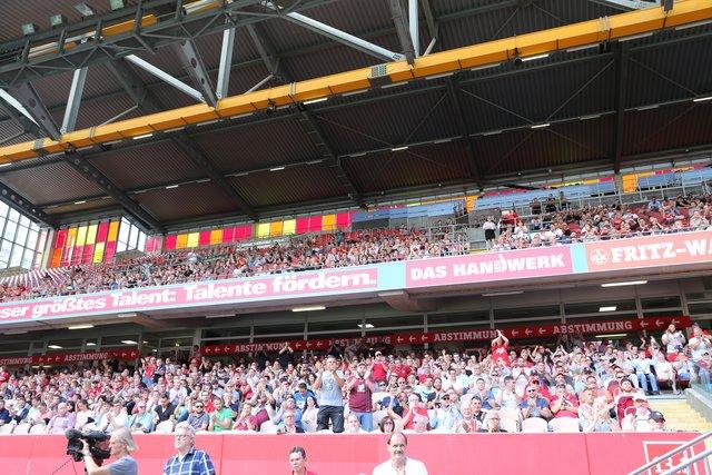 Fußball In Wochenblatt Kaiserslautern Thema
