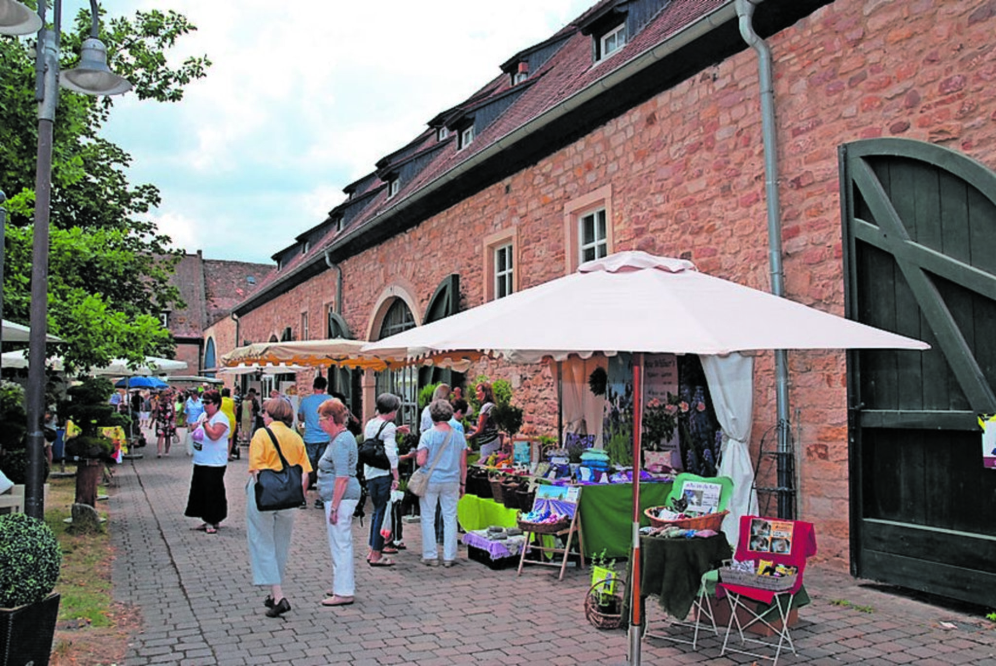 Lifestyle-Ausstellung mit Trends und Exquisitem im Herrenhof ...