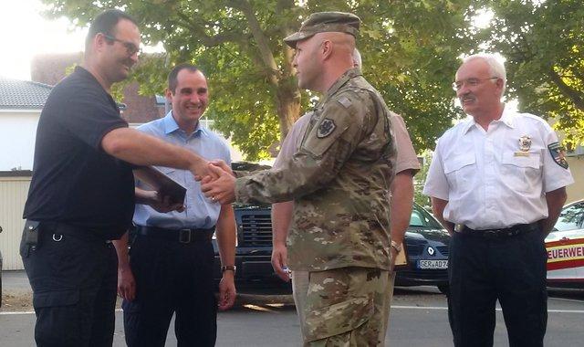 In Anerkennung für die geleistete Nachbarschaftshilfe: US Armee ehrt ...