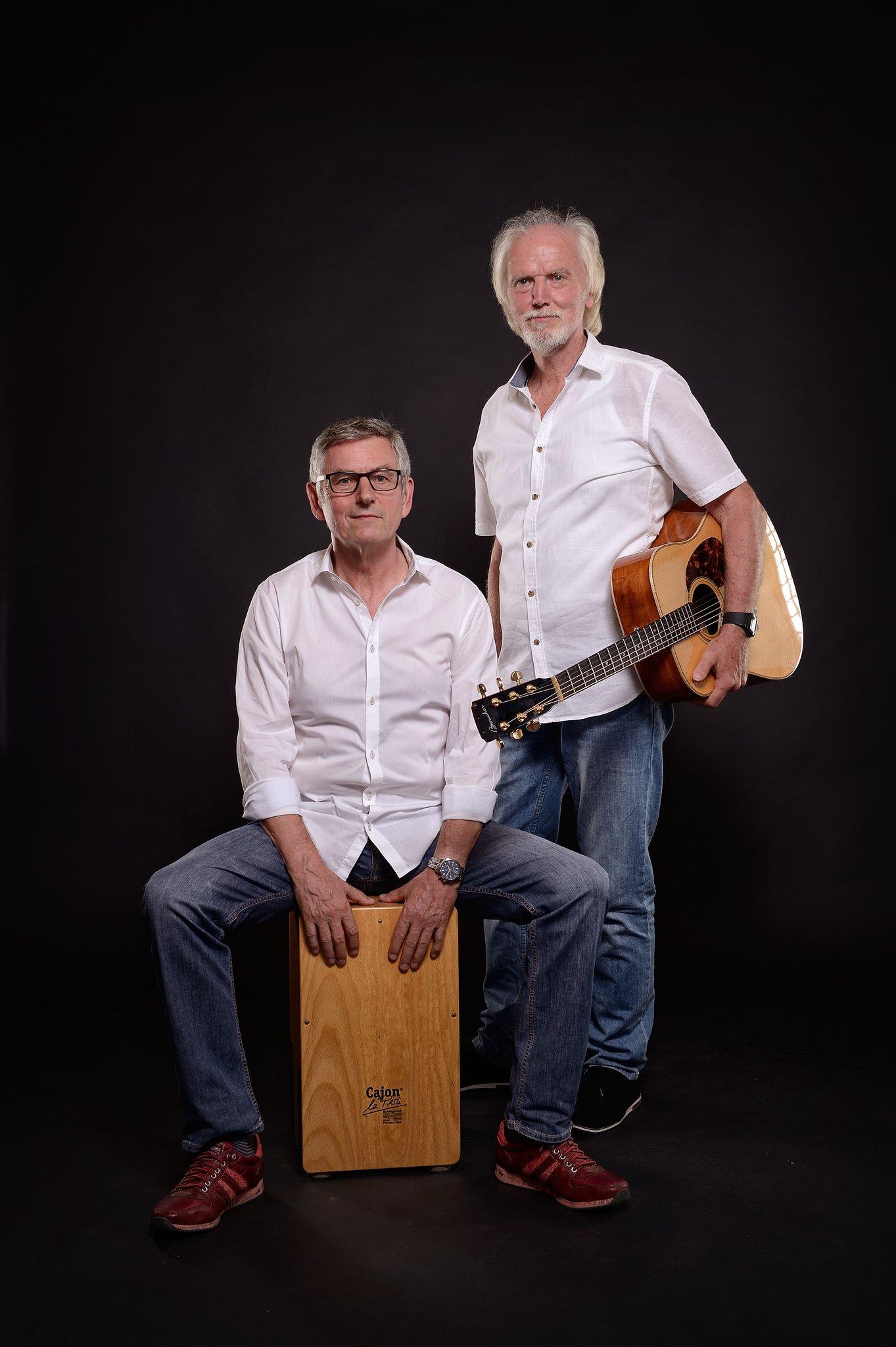 Acoustic Heroes\