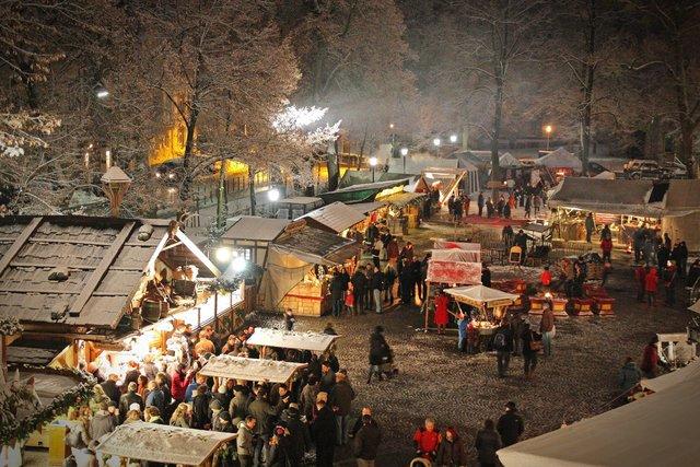 Mittelalterlicher Weihnachtsmarkt.Mittelalterlicher Weihnachtsmarkt Umfangreiches Programm