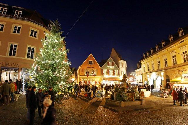 In Der Bad Durkheimer Innenstadt Startet Der Durkheimer Advent Der