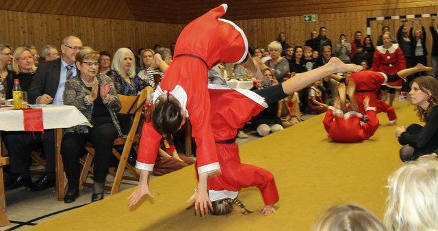 Weihnachtsfeier Karlsruhe.Bunte Fröhliche Weihnachtsfeier Der Tg Aue Lebkuchenmänner