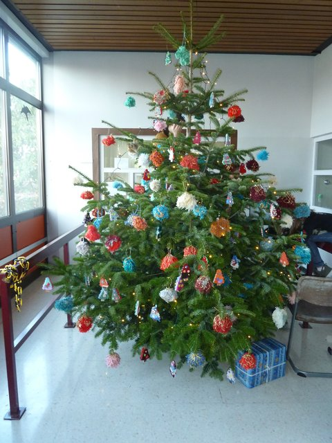 Weihnachtsbaum Tradition.Tradition Mit Schülern Wird Fortgesetzt Bewohner Schmücken