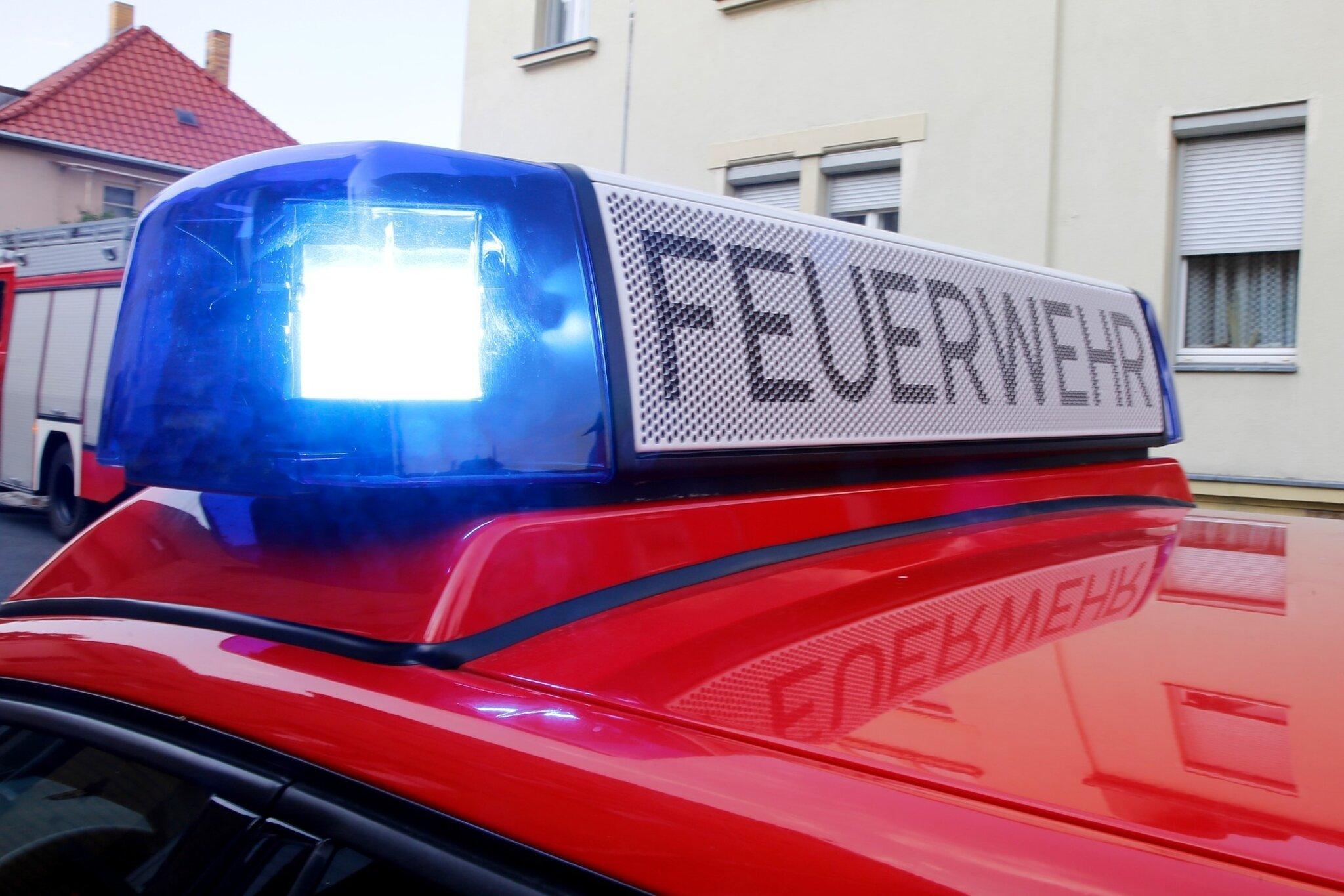 Feuerwehr-und-Rettungsdienst-im-Gro-einsatz