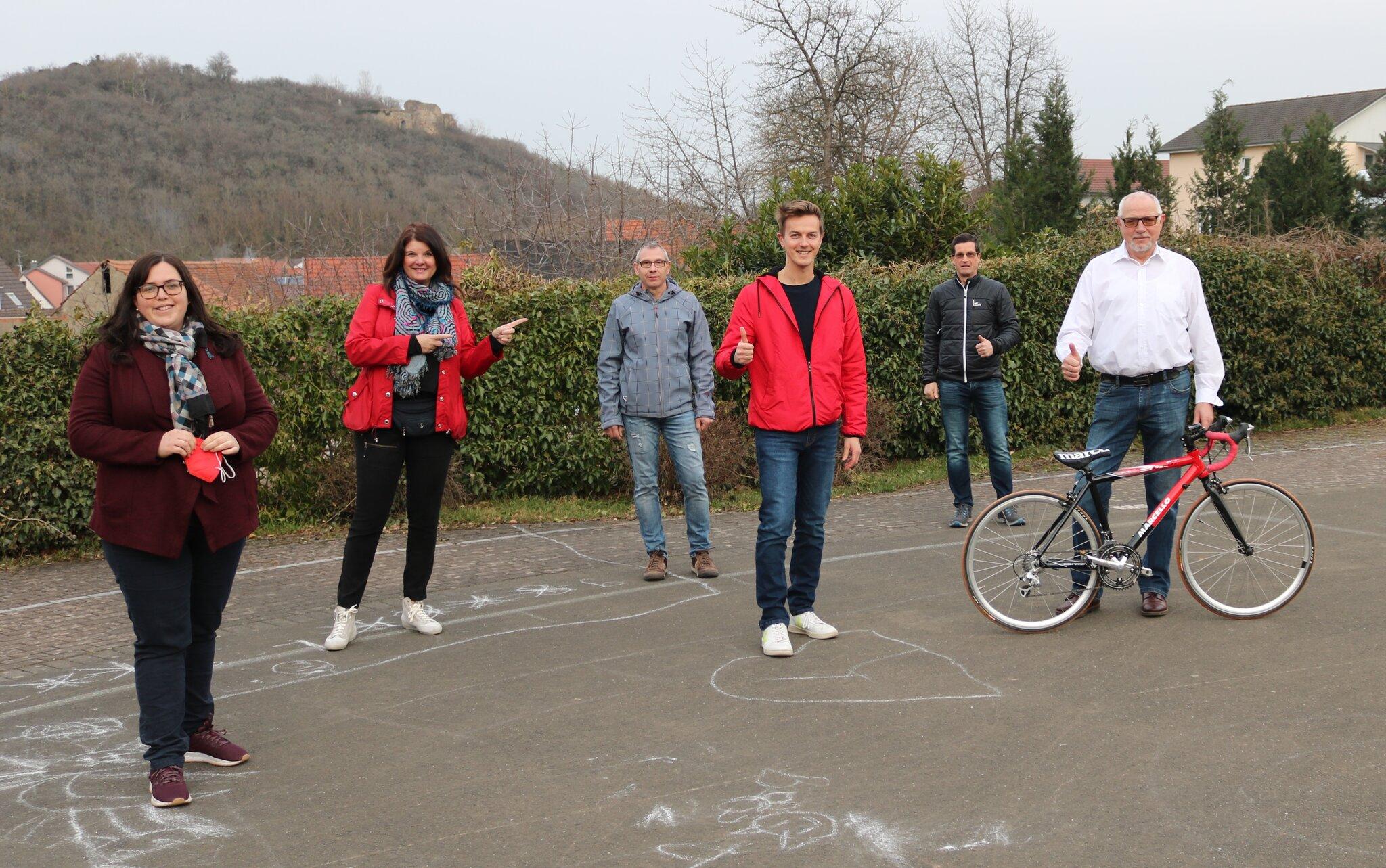 Neues-Rennrad-f-r-junge-Sportler