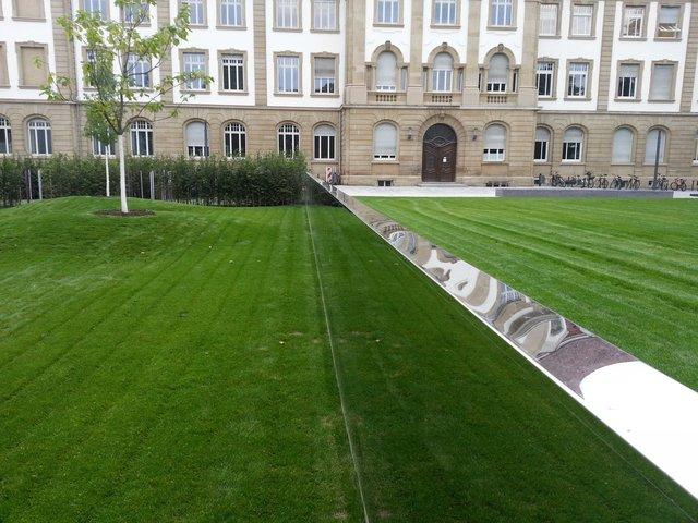 Spiegel Zaun Im Garten Des Karlsruher Kinderuniversums Kit